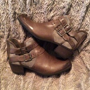 Ugg brown ankle boots. Brown. Only worn once